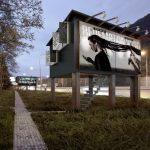 [Portfolio] Des panneaux publicitaires transformés en studios pour SDF