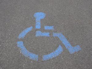Handicap: la proposition de loi sur la gratuité du stationnement définitivement adoptée