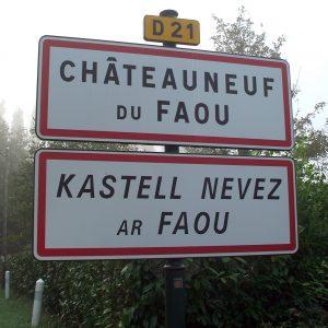 Signalétique: les inscriptions en langues régionales sont-elles réglementées?