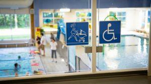 Accessibilité: un arrêté définit les nouvelles normes pour les ERP neufs